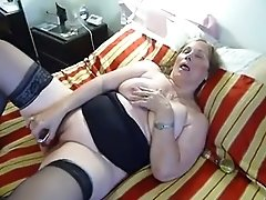 Horny Chubby Mature Orgasms From Fucktoy