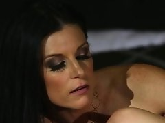 An Awesome Lezzy Threesome