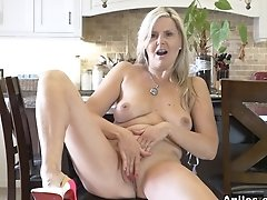 Velvet Skye In Naughty Fun - Anilos