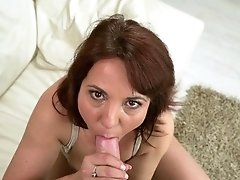 Mature Is Curious About Taking Cumshot On Her Nice Face