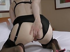 Mature Stocking Lady Fills Her Backside And Cunt
