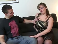 Youthfull Son Fucks Sexy Mature Chesty Not His Mom