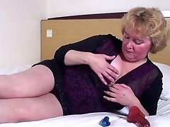 Unexperienced Mature Mom Needs A Good Fuck