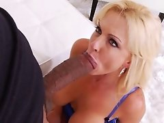 Squirting Mummy Has A Phat Plaything And Big Black Cock