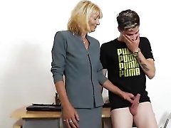 Mommy Teacher Playing Plus A Spunk-pump