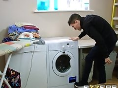 Valentina Ricci In Dirty Laundry Dirtier Milf