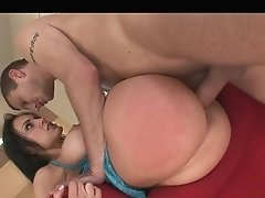 Hot Mummy Mexican With Nice Round Tits
