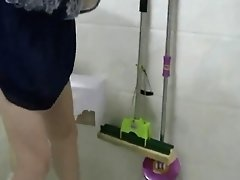 Chinese MILF Pisses  Showers  Vibes  And Screws