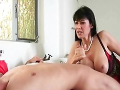 Lusty Eva Karera Fucks With Teenage Duo