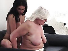 Mature With Big Jugs Gets Turned On Then Slam Fucked By Horny Guy