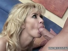 Busty Mom Tara Moon Is Getting Her Mature Pussy Pounded