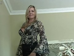 Sexy Canadian Not Mom Aka Mummy Shows Her Goods And